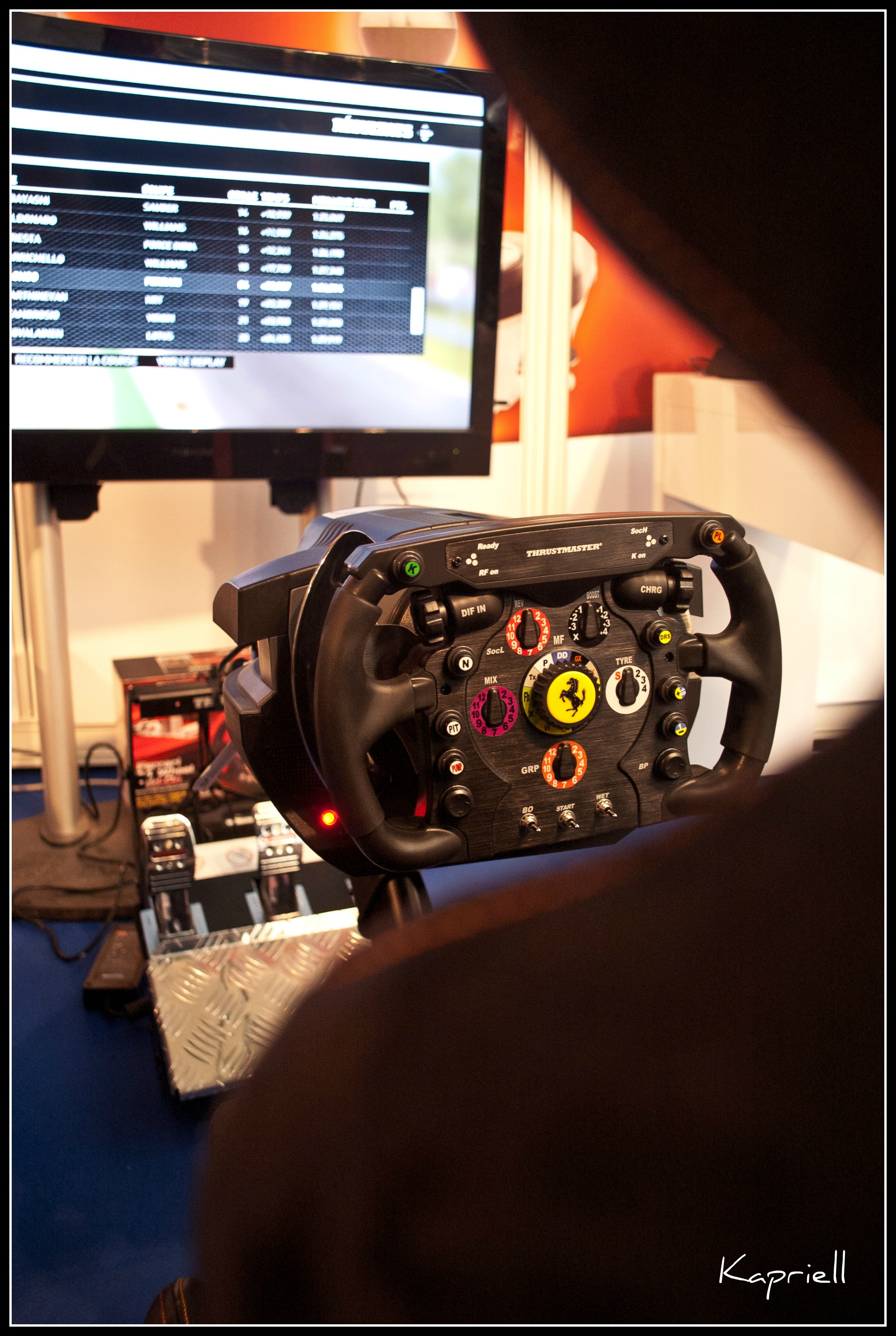 test le volant de la ferrari d 39 alonso sur ps3. Black Bedroom Furniture Sets. Home Design Ideas