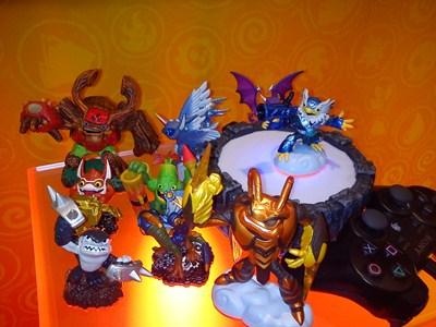 figurines skylanders giants