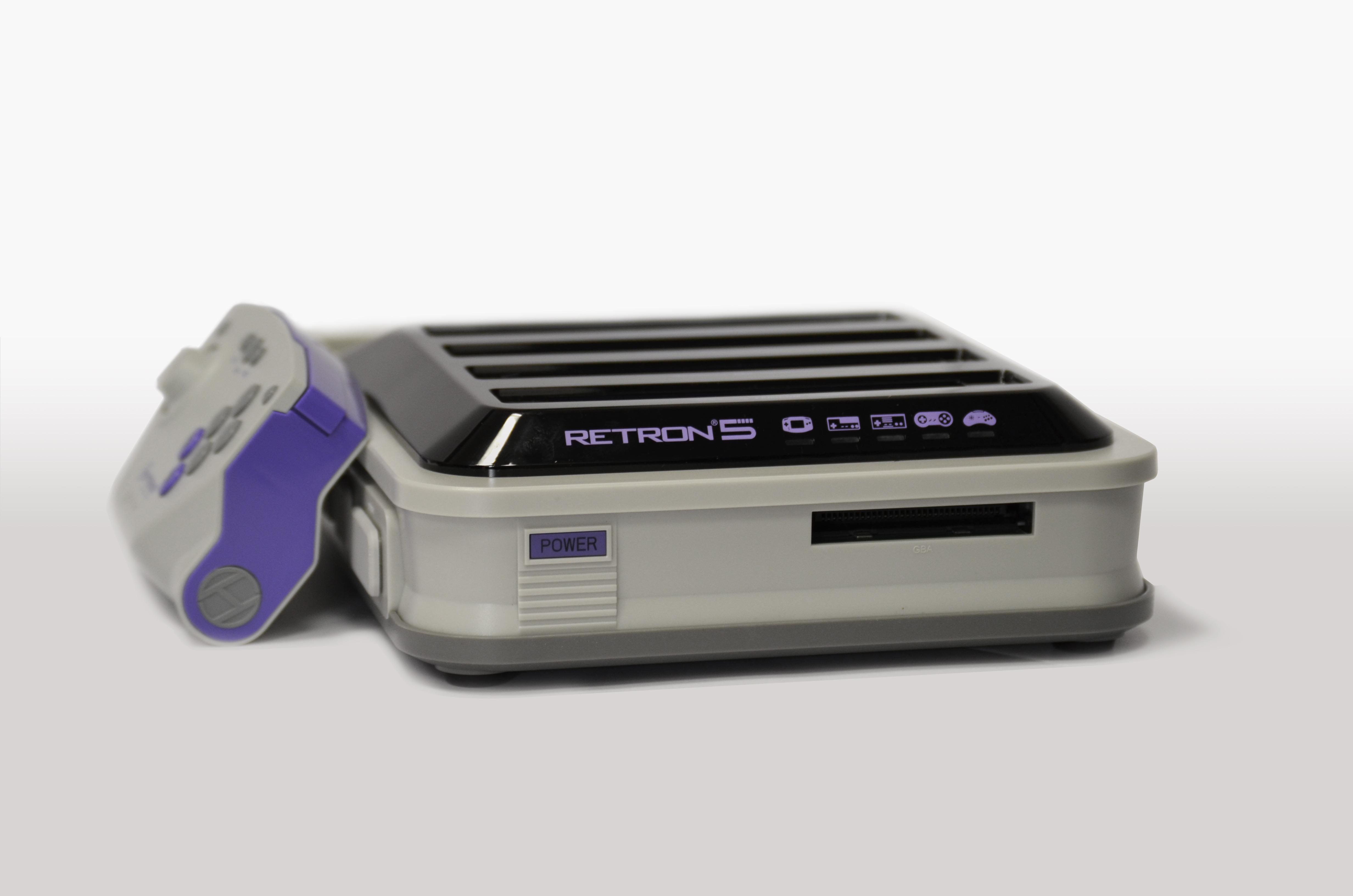 RETRON 5 console