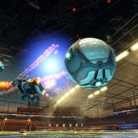 Une voiture dans les airs dans Rocket League