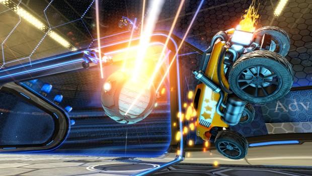 Un tir au but dans Rocket League