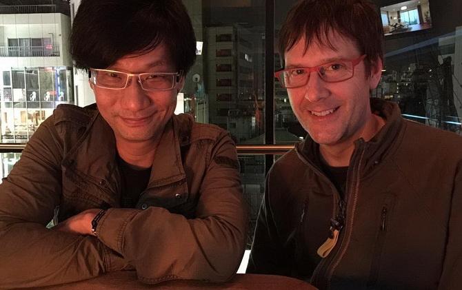 Kojima aux côtés de Mark Cerny