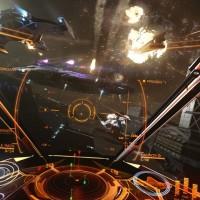 Bombardement du vaisseau ennemi dans Elite Dangerous: Horizons