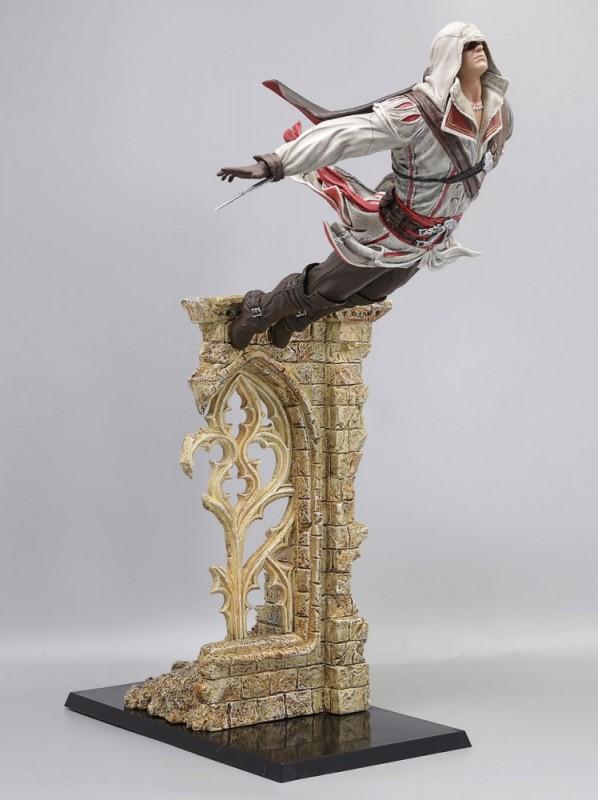 Figurine Ezio Auditore Saut de la Foi