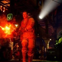 Personne de Call of Duty lance-flamme