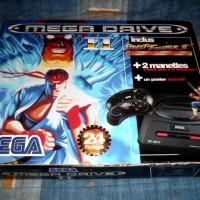 Le pack SEGA MegaDrive qui inclue la console, Street Fighter II' et deux manettes