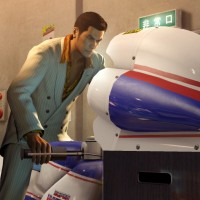 Yakuza 0 Kazuma est sur une moto de borne d'arcade
