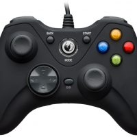 La manette Nacon GC-100XF