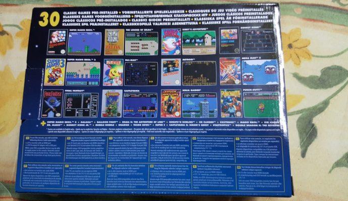 Face arrière de la boite de la NES Mini