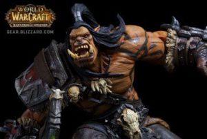 L'une des deux statuettes en produits dérivés du jeu Warcraft par Blizzard : Grommash Hurlenfer