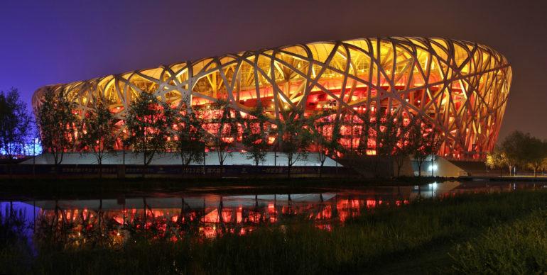 double jeux documentaire Stade du Nid d'oiseau à Pékin ous se déroule le documentaire Double Jeux