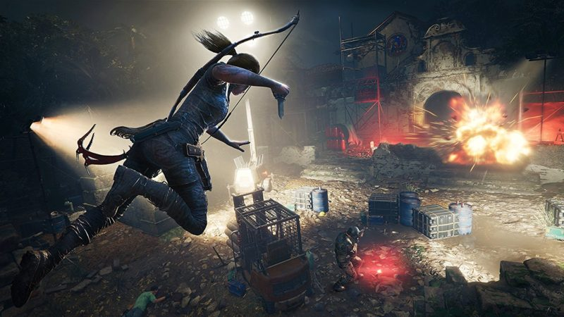 Shadow of the Tomb Raider Lara attaque couteau