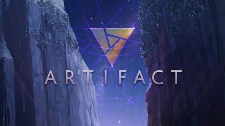 Artifact : logo du jeu sur fond montagnard