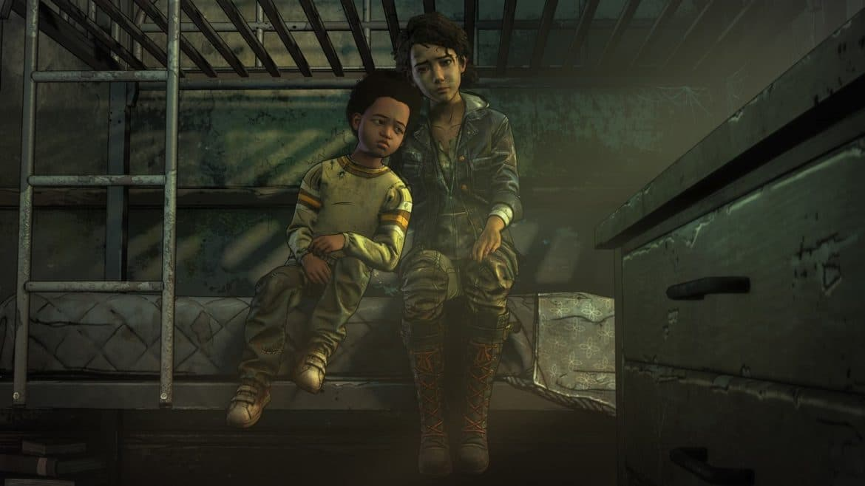 The Walking Dead l'Ultime Saison AJ et Clementine assis