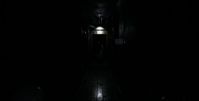 visage preview couloir fantôme