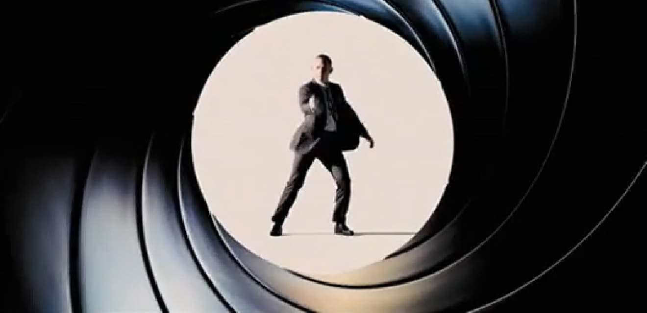 James Bond - DGSE espionne Fortnite