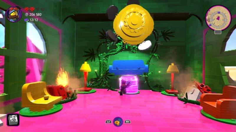 La Grande Aventure LEGO 2 : le jeu vidéo l'interieur de la bête à combattre