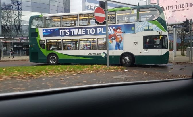 Bus pub Crash Bandicoot