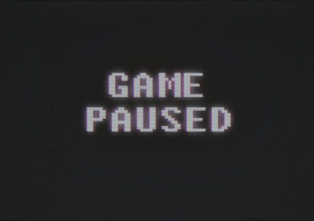 Jeu vidéo en pause